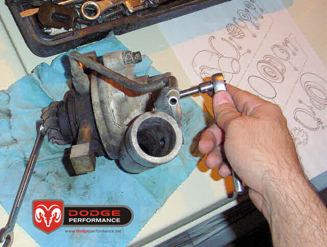 Aqui empeze a desarmar el ex-turbo de la Garrapata (el turbo que le